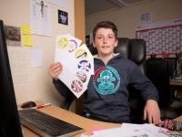 13岁男孩创业8周赚上万元 每天400张订单